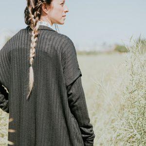 cardigan-noir-pour-femme-manche-longue-fait-au-quebec-designer-quebecois-marilou-design