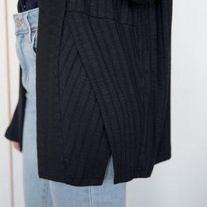 cardigan-noir-vetement-pour-femme-veste-manche-longue-fait-au-quebec-designer-quebecois-marilou-design