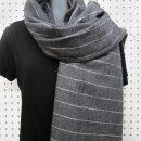 Foulard-pour-femme-laine-gris-fait-au-quebec-designer-marilou-design