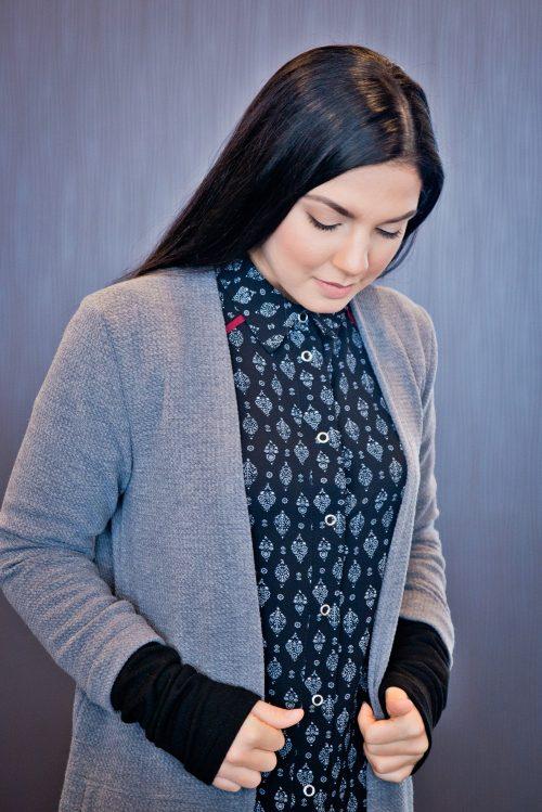 ardigan-look-chemise-noire-pour-femme-chic-motif-vetement-quebecois-marilou-design-1