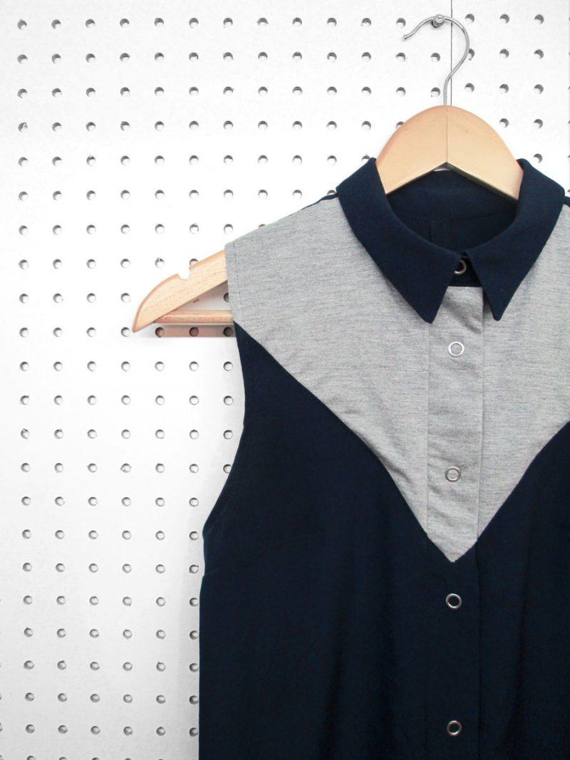 Chemise-Bleu-marine-Fait-au-Quebec-sans-manches-Vetements-designe-de-mode-quebecois-marilou-design-Chemise marine et grise pour femme, sans manches, fait au canada par Marilou design