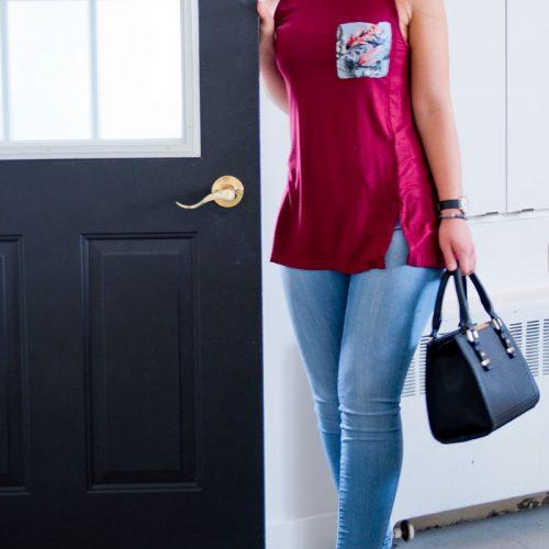 Haut-pour-femme-fait-au-quebec-made-in-canda-designer-quebecois-vetement-camisole-rouge-red-top-woman-mode-local-marilou-design-Camisole rouge avec motif de fleurs pour femmes
