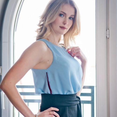 top-for-woman-blue-no-sleeves-cami-bleu-vetement-pour-femme-clothes-made-in-quebec-fait-au-quebec-tunique-marilou-design-Haut bleu pour femme Fait au Canada