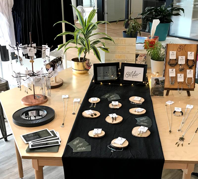 pop-up-shop-rimouski-entreprise-de-quebec-vetement-clothes-for-woman-jewelry-bijoux-shopping-made-in-canada-boutique-marilou-design