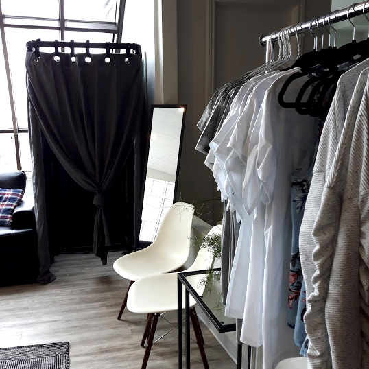 pop-up-shop-rimouski-entreprise-de-quebec-vetement-clothes-for-woman-jewelry-shopping-made-in-canada-boutique-cozy-marilou-design
