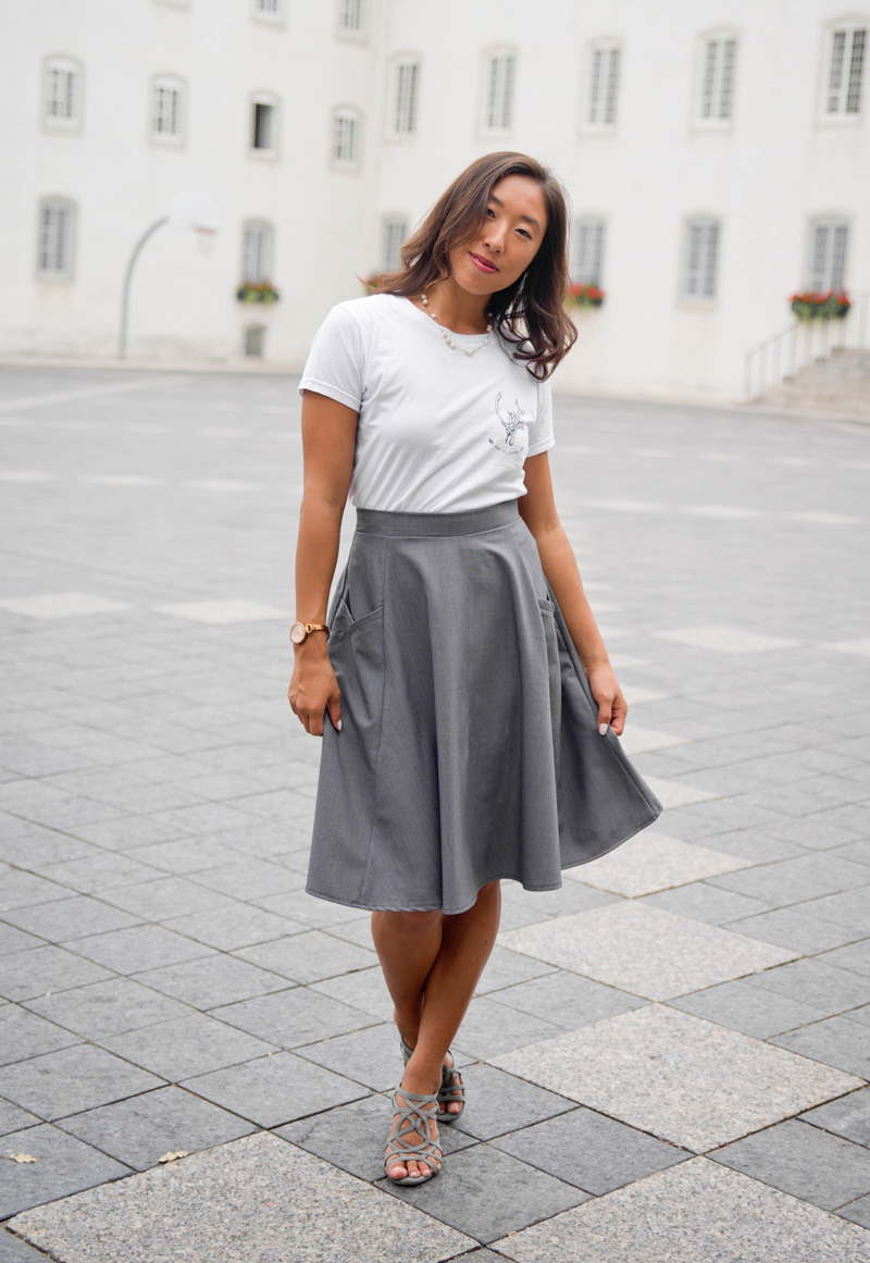 skirt-for-woman-grey-made-in-canada-clothes-vetement-pour-femmes-designer-quebecois-marilou-design