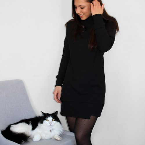 black-dress-chic-comfy-robe-chandail-noire-vetement-pour-femmes-made-in-quebec-marilou-design