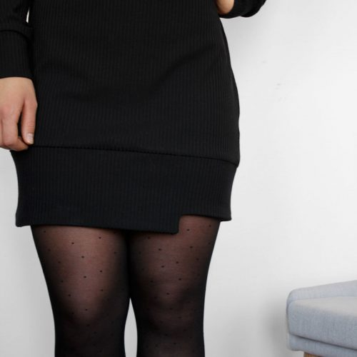 black-dress-chic-longsleeves-robe-noire-details-vetement-pour-femmes-woman-clothes-look-for-christmas-made-in-quebec-marilou-design
