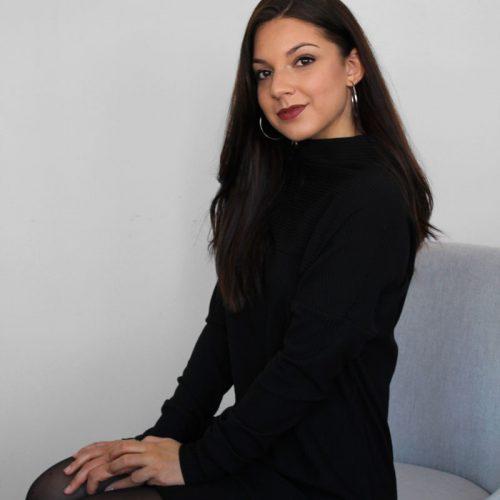 black-dress-chic-longsleeves-robe-noire-vetement-pour-femmes-woman-clothes-look-made-in-quebec-marilou-design