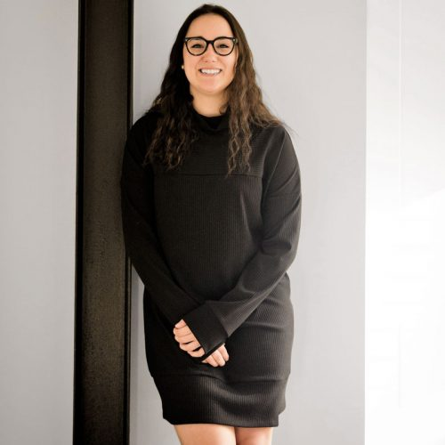 black-dress-tshirt-longsleeves-robe-chandail-noire-fait-au-quebec-vetement-pour-femme-clothes-woman-look-marilou-design
