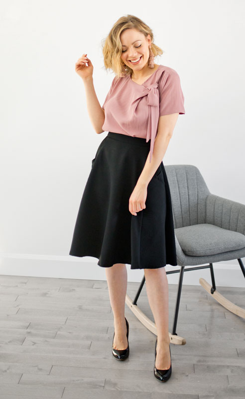 look-skirt-woman-clothes-chic-vetement-pour-femme-polyvalent-made-in-canada-marilou-design-Look classy and comfy skirt and blouse made in quebec