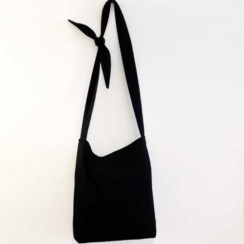 sac-noir-boutique-tote-bag-fourre-tout-bandouliere-ajustable-big-black-made-in-quebec-marilou-design