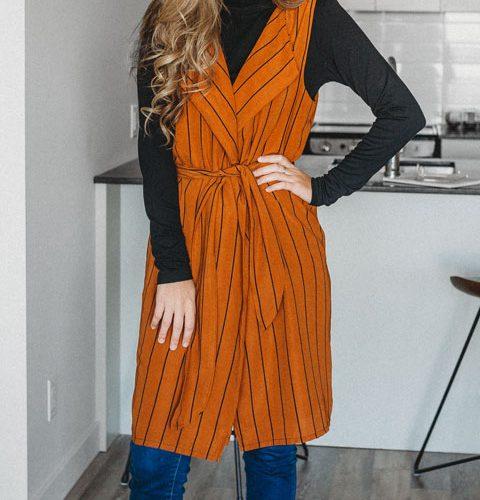 vest-long-no-sleeve-chic-camel-stripes-for-woman-cardigan-pour-femme-made-in-quebec-marilou-design