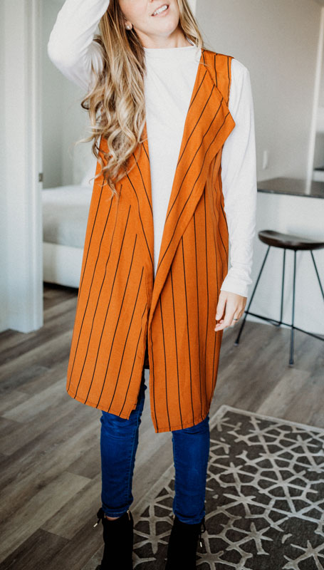 vest-no-sleeve-chic-camel-stripes-for-woman-cardigan-sans-manche-pour-femme-style-chic-made-in-quebec-marilou-design