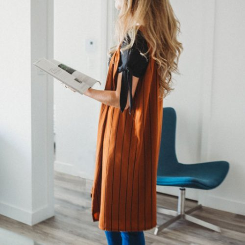 vest-no-sleeve-chic-camel-stripes-for-woman-sans-manche-pour-femme-made-in-quebec-marilou-design