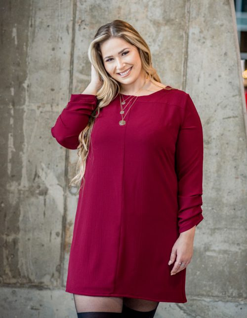 burgundy-dress-chic-with-longues-sleeves-comfy-christmas-classy-robe-rouge-made-in-quebec-marilou-design