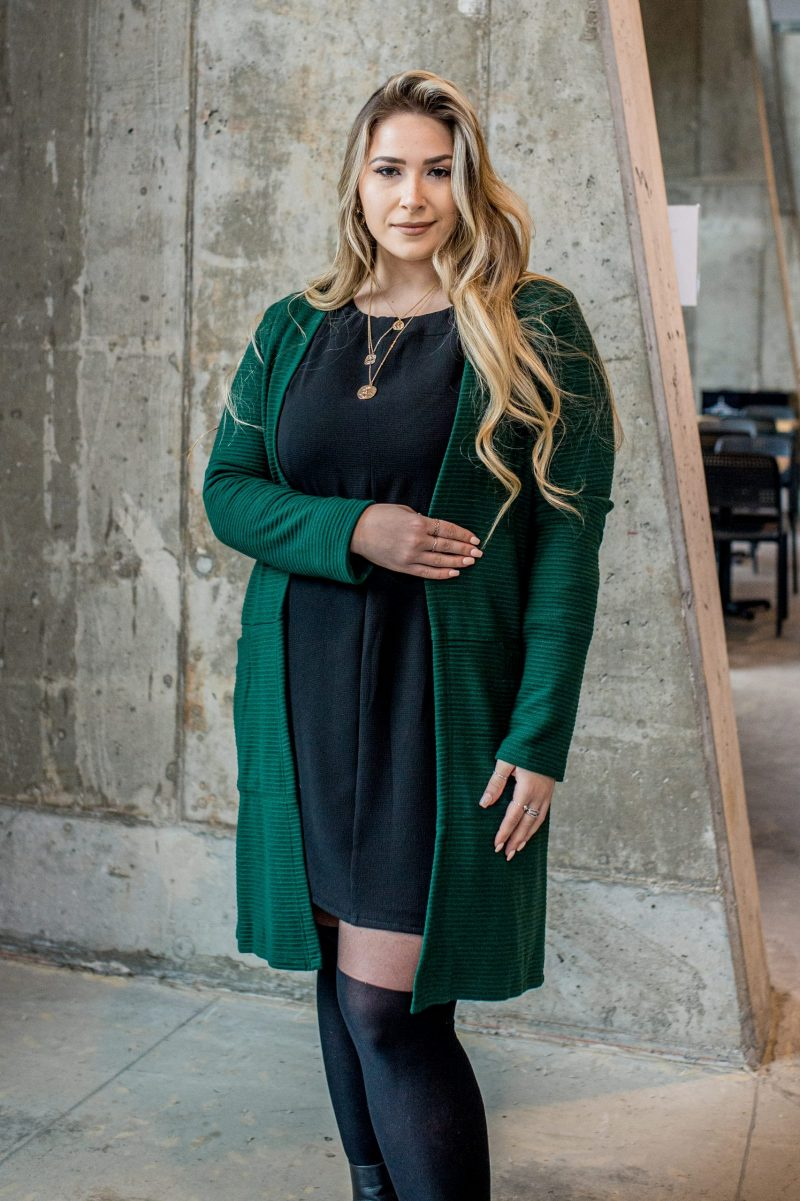 cardigan-vert-forest-pour-femme-for-woman-vest-green-chic-comfy-longues-sleeves-with-pocket-for-woman-made-in-canada-marilou-design-scaled