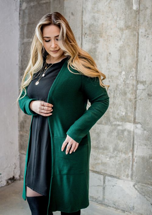 cardigan-vert-forest-pour-femme-vest-green-chic-comfy-longues-sleeves-with-pocket-sweater-for-woman-made-in-canada-marilou-design
