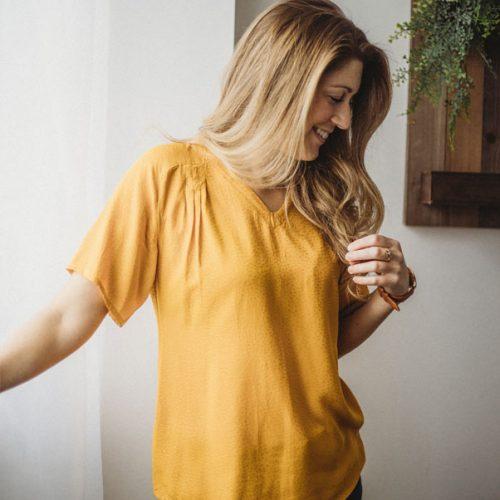 blouse-jaune-pour-femme-boutique-en-ligne-vetements-quebecois-shirt-woman-fait-au-quebec-marilou-design