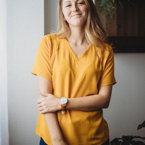 chandail-jaune-pour-femme-boutique-en-ligne-vetements-quebecois-shirt-woman-fait-au-quebec-marilou-design