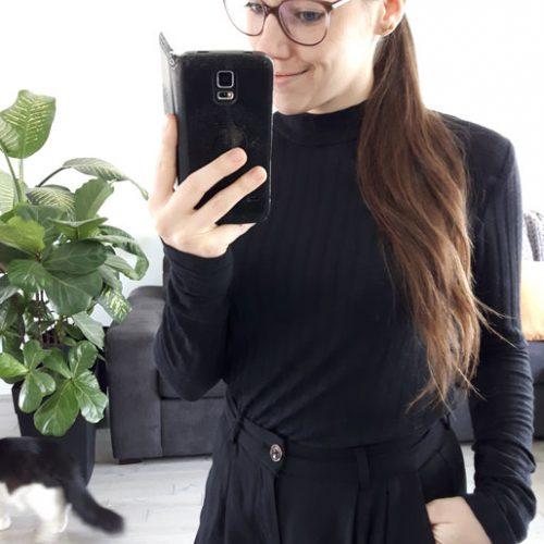 basic-tshirt-black-chandail-noir-pour-femme-vetement-quebecois-en-ligne-marilou-design