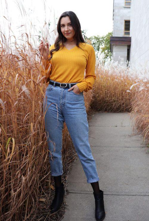 chandail-sweater-pour-femme-moutarde-manches-longues-vetement-quebecois-marilou-design