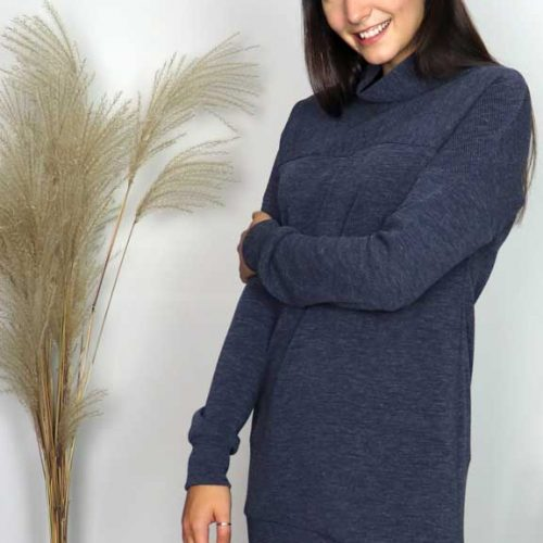 robe-bleu-chic-tshirt-turtle-neck-vetement-quebecois-pour-femmes-woman-clothes-look-made-in-quebec-marilou-design