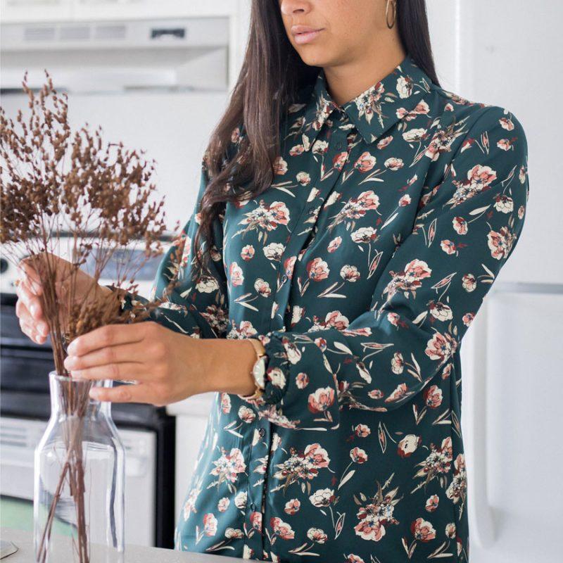 shirt-with-flowers-chemise-fleuris-pour-femme-vetement-designer-quebecois-made-in-quebec-marilou-design