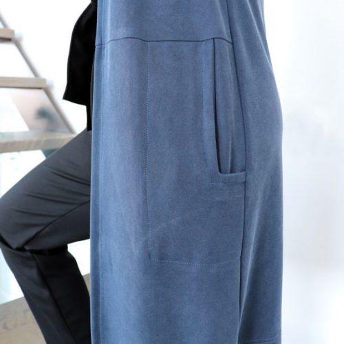 cardigan-long-fait-au-quebec-woman-clothes-blue-vest-mouchic-marilou-design