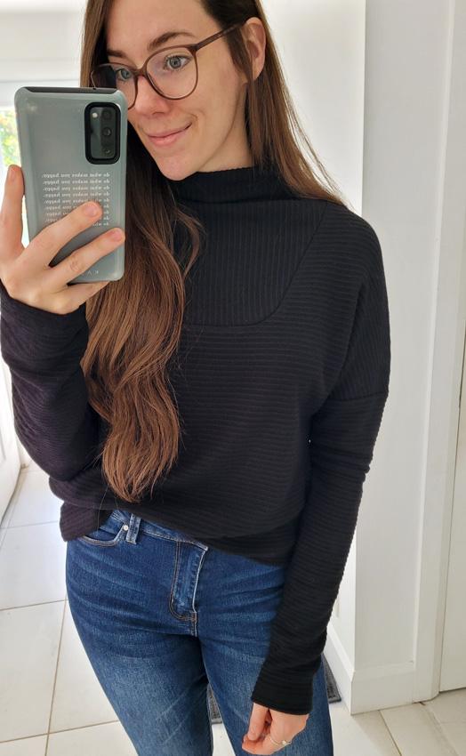 black-pull-sweater-chandail-xxl-mou-mouchic-col-autumn-boutique-en-ligne-quebcoise-fait-au-quebec-marilou-design